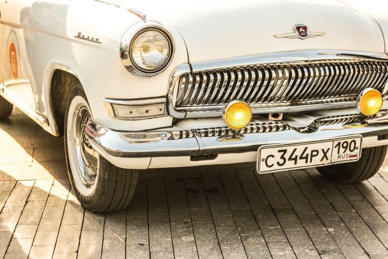 Russische auto Moskou Rusland Tentoonstelling van retro auto's bij VDNH royalty-vrije stock foto