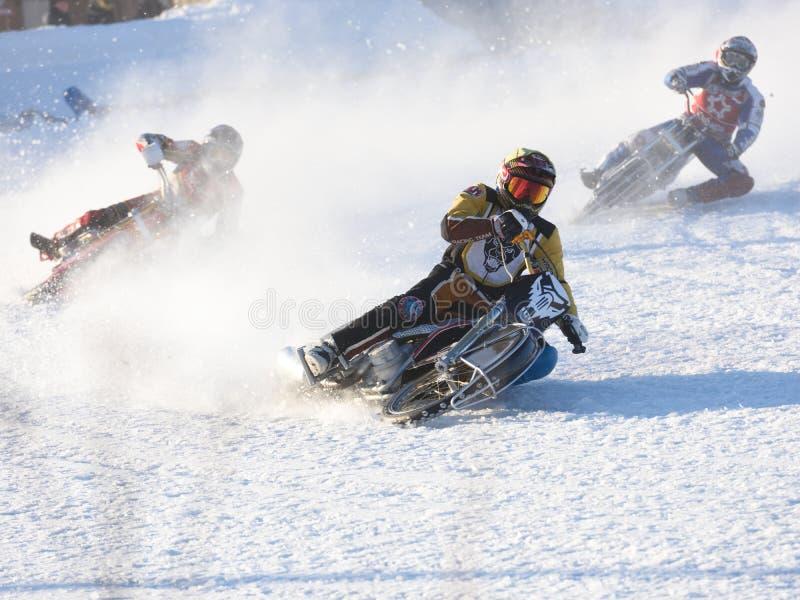 Russische Eis-Speedway-Meisterschaft lizenzfreies stockbild
