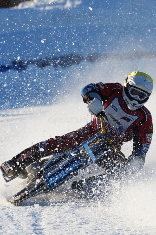 Russische Eis-Speedway-Meisterschaft stockbilder