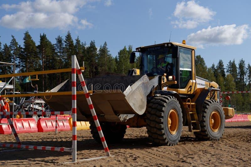 Russische Meisterschaft der beruflichen Qualifikationen des Straßenarbeiters lizenzfreies stockfoto