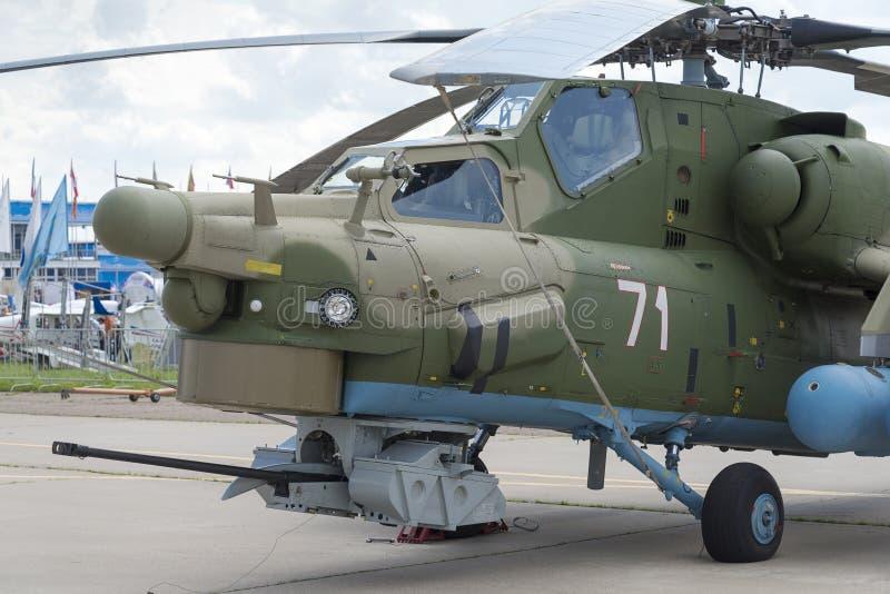 Russische militaire helikopters bij de internationale tentoonstelling stock foto