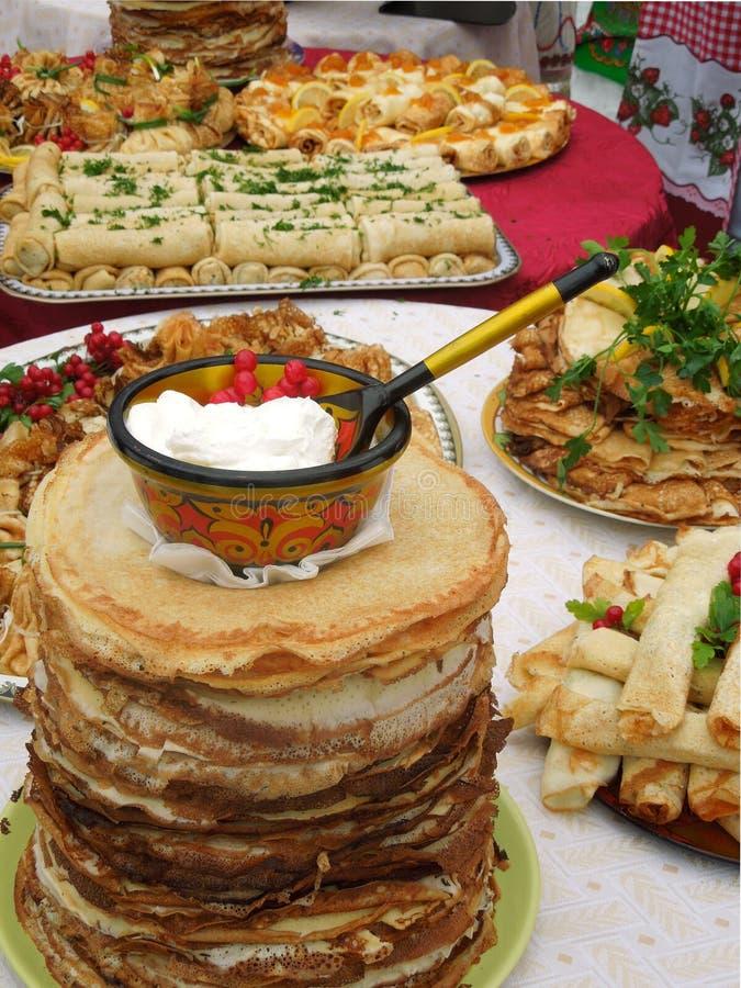 Russische pannekoeken royalty-vrije stock afbeeldingen