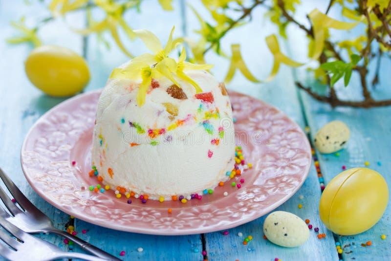 Russische Pasen-paskha, de traditionele cake van gestremde melkpasen royalty-vrije stock foto