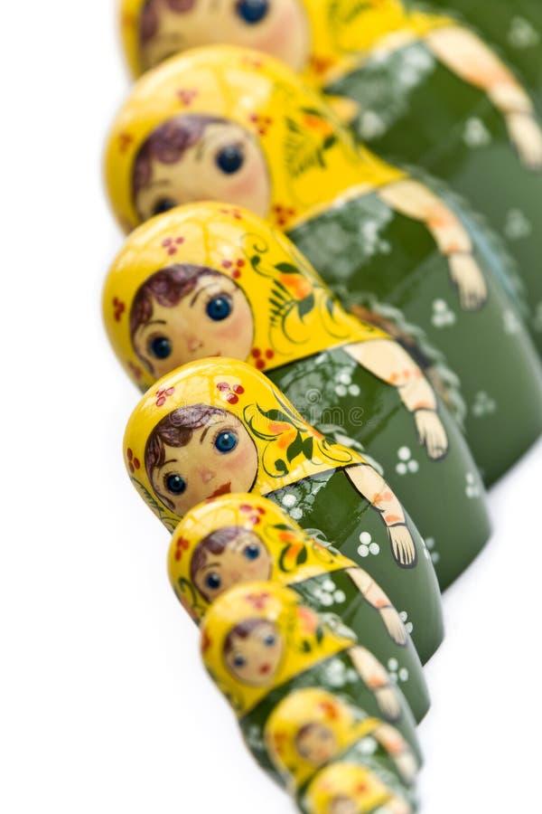 Russische Puppen in einer Zeile stockfotografie