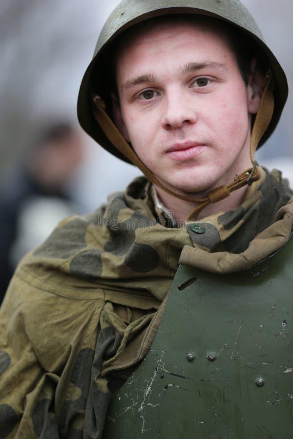 Russische Soldaten des zweiten Weltkriegs Mörder von Behältern lizenzfreie stockfotografie