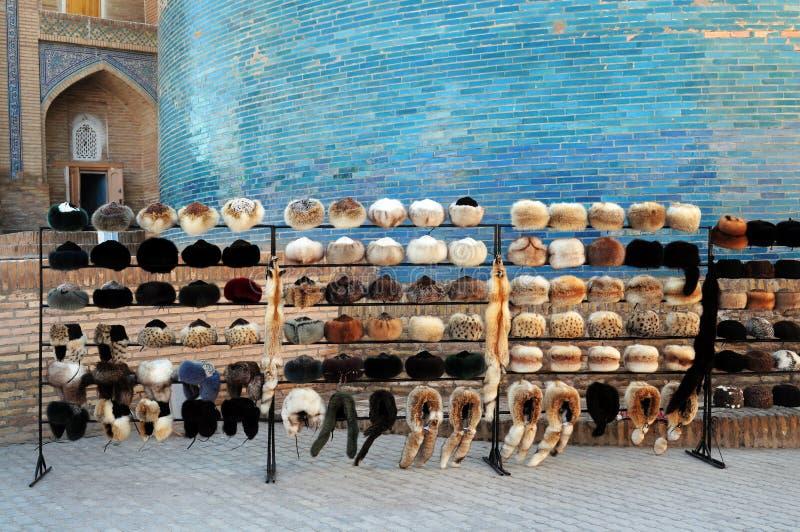 RUSSISCHE TOQUES IN KHIVA OEZBEKISTAN stock fotografie