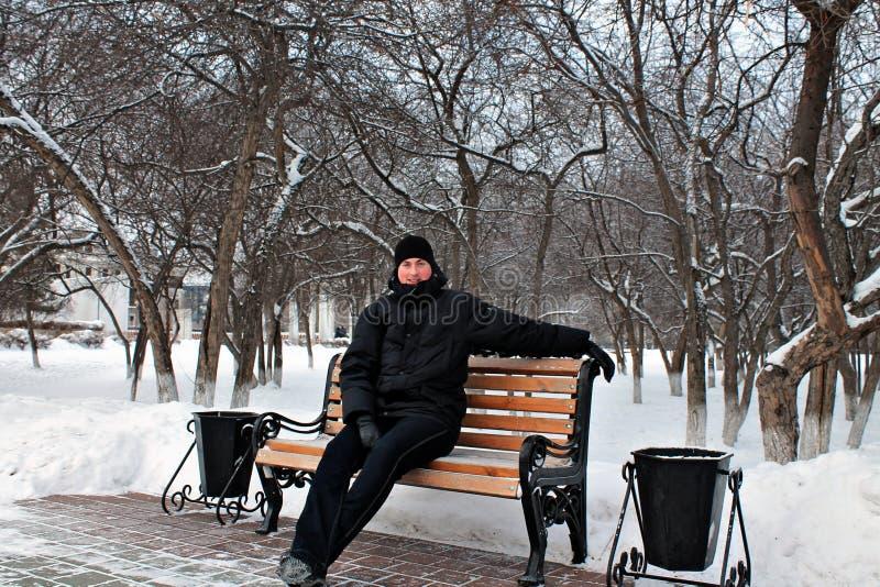Russischer Winter -40, der tapfere Mann lizenzfreie stockfotos
