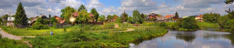 Russisches Dorf lizenzfreies stockfoto