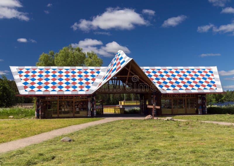 Russisches Dorf in Verkhniye Mandrogi stockfotografie