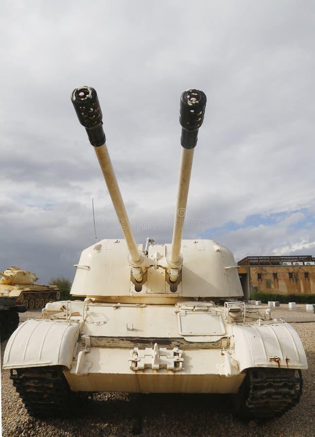 Russisches hergestelltes selbstfahrendes Flugabwehrfahrzeug ZSU-57x2 nahm durch IDF in Sinai auf Anzeige an gepanzertem Korps-Mus lizenzfreies stockfoto