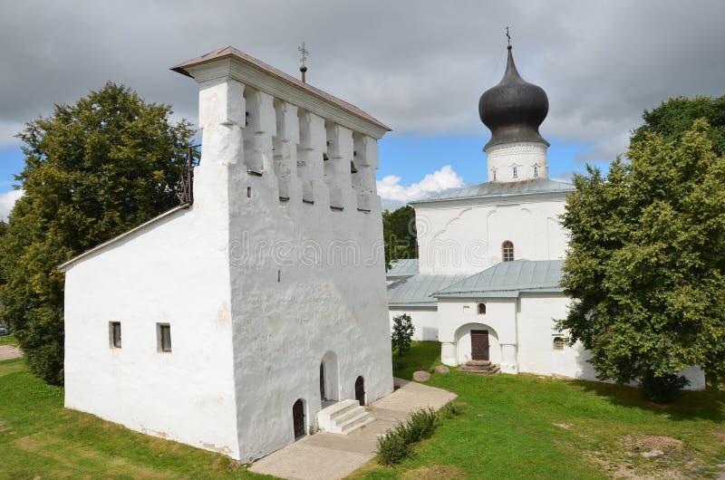 Russland, die Kirche des Dormition an der Fähre in Pskov lizenzfreie stockfotografie