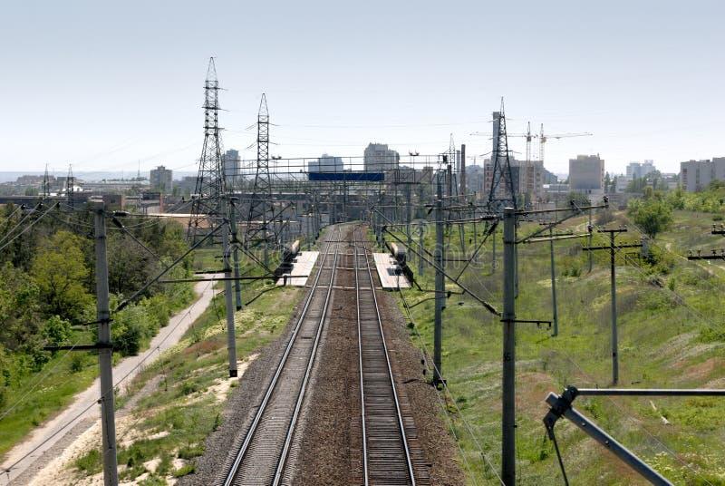 Russland. Die Stadt von Wolgagrad. Das Gleis. lizenzfreie stockbilder