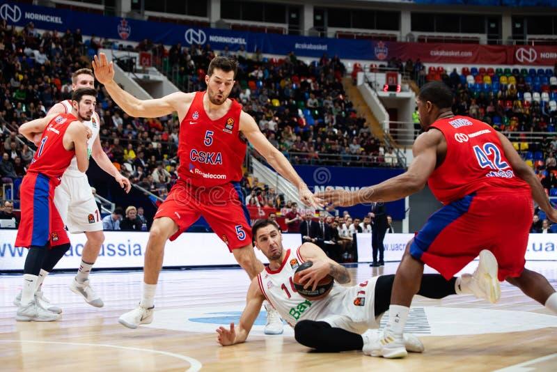 Russland moskau Arena Megasport 17. Januar 2019 Spieler von CSKA und von Bayern Munich während des Euroleague-Basketballspiels lizenzfreie stockfotos