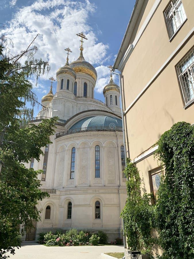 Russland, Moskau, Kloster Sretensky Stavropegial für Männer Kirche der neuen Märtyrer und der Beichtväter von Russland auf Blut a lizenzfreie stockfotografie