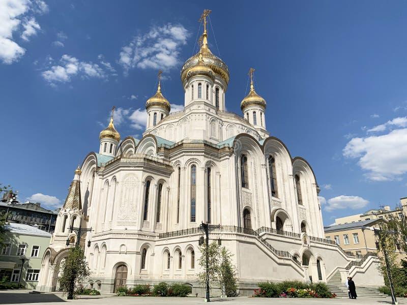 Russland Moskau, männliches Kloster Sretensky Stavropegial Kirche der neuen Märtyrer und der Beichtväter von Russland auf dem Blu stockfotos
