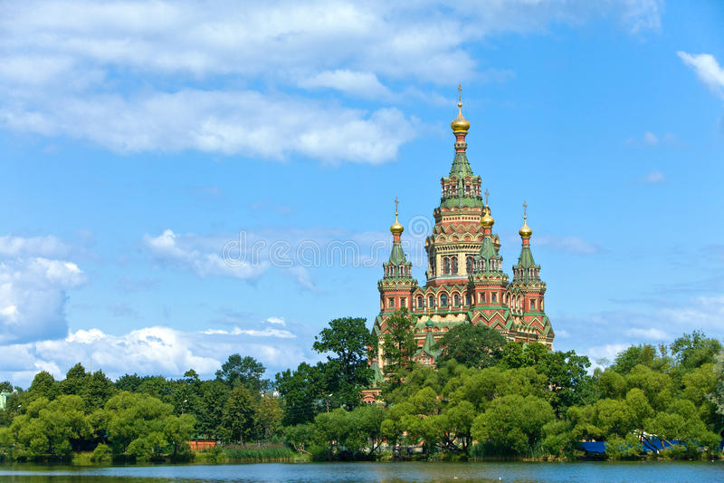 Russland, Peterhof und die Kirche von Str. Peter und von P stockbilder