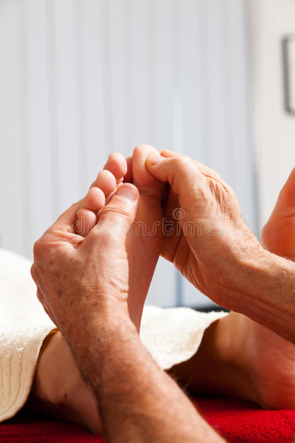 Rust en ontspanning door massage stock afbeelding