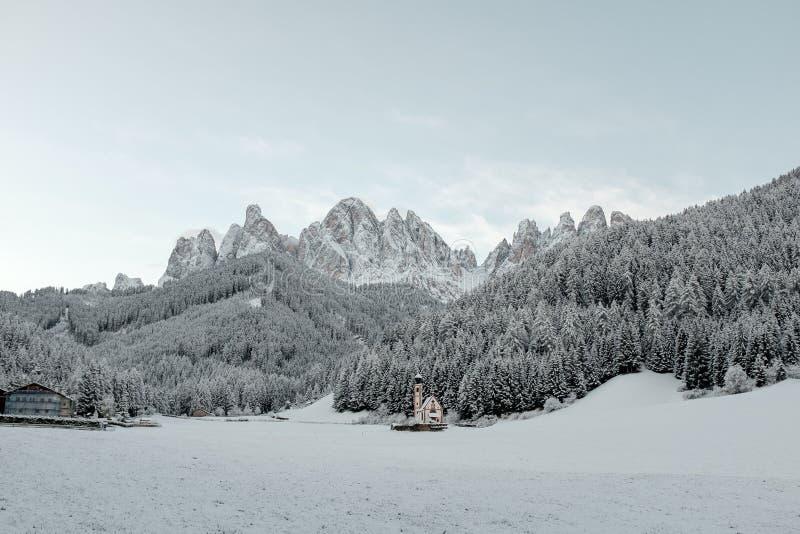 Rust in het noorden van Italië in de winter Reis aan het Dolomiet royalty-vrije stock fotografie