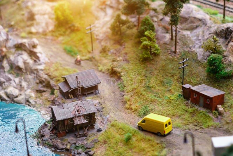 Rust op het meer met tenten in miniatuur stock foto