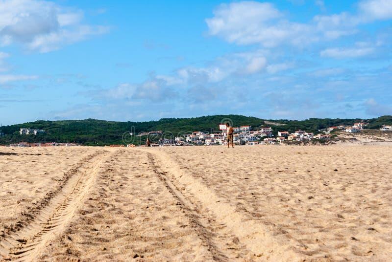 Rust op het zandstrand de zomerfoto dichtbij overzees Het strand op Foz doet A royalty-vrije stock foto's