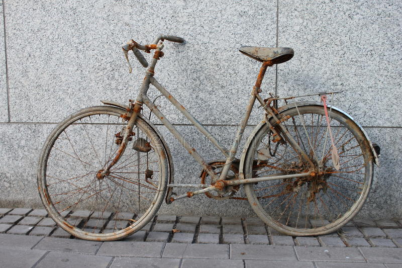 Rustbike royaltyfria bilder
