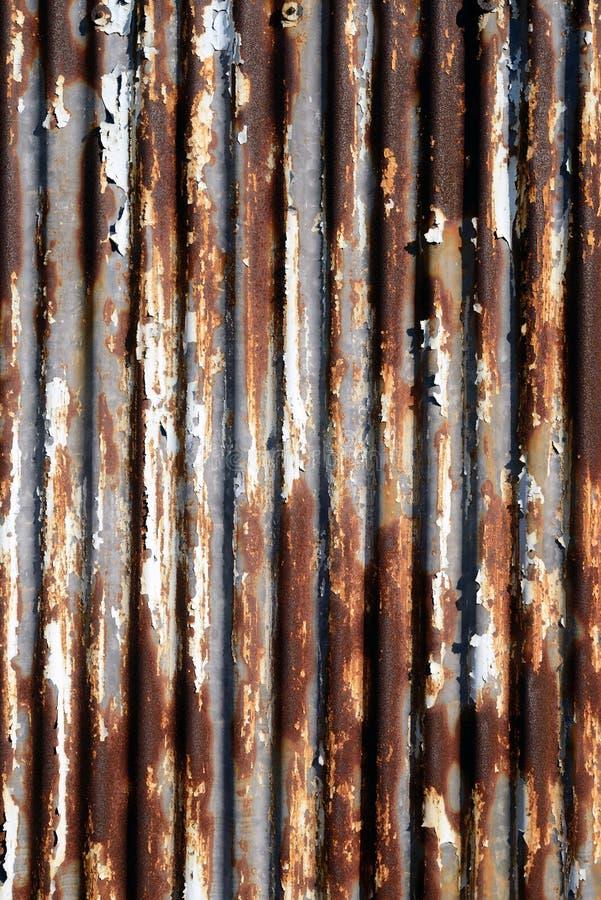 rusted使金属成波状 免版税图库摄影