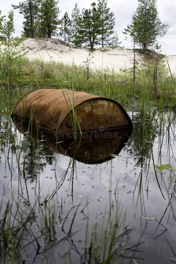 Rusted несется вода стоковые фотографии rf