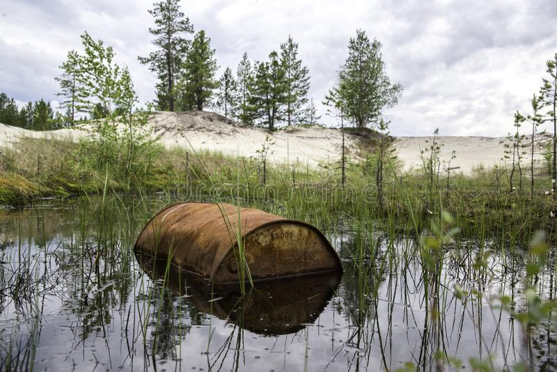 Rusted несется вода стоковые фото