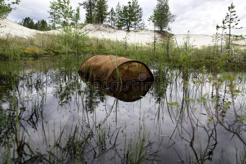Rusted несется вода стоковая фотография