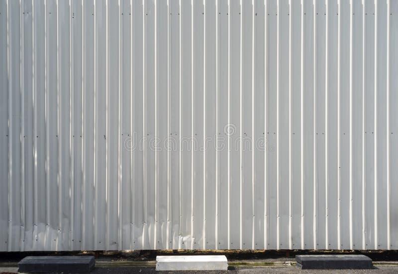 Rusted galvanisierte Eisenplatte und Hintergrundfoto lizenzfreie abbildung