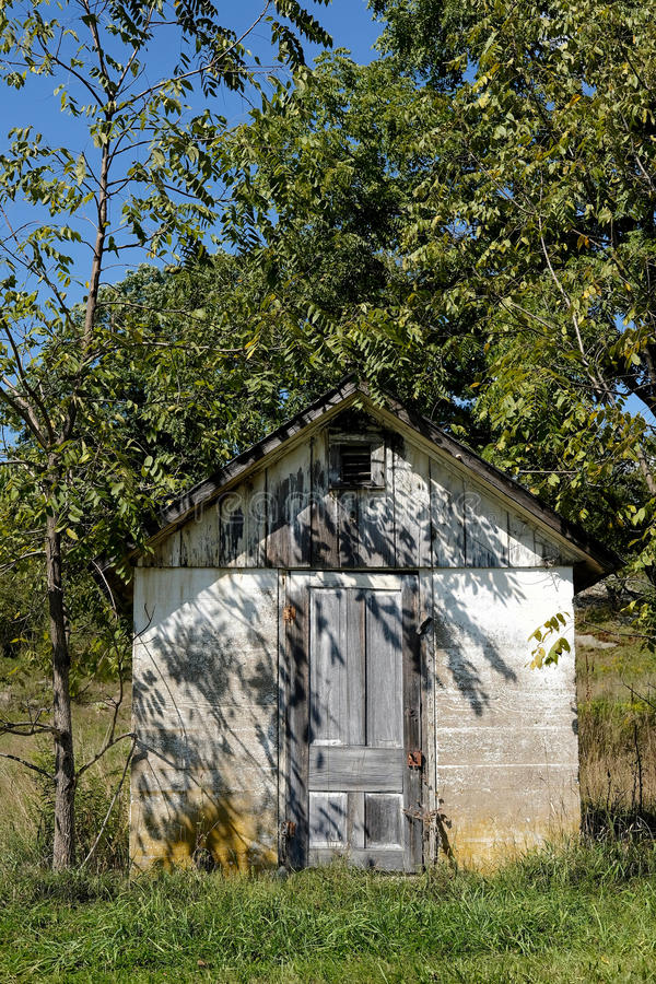 Download Rustic Shed in Summer stock photo. Image of rustique - 83717106
