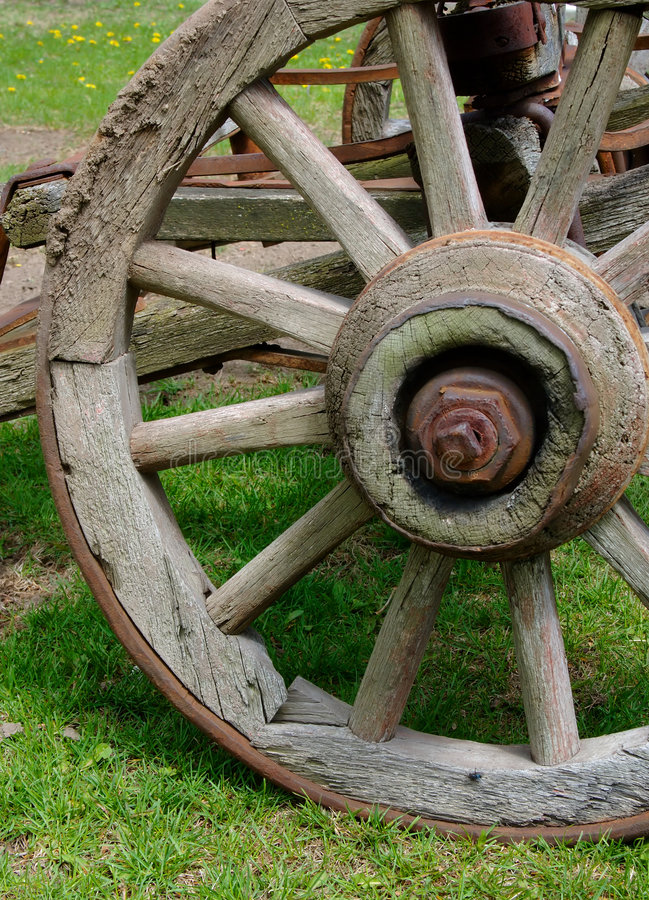 Rustic wagon wheel royalty free stock photo