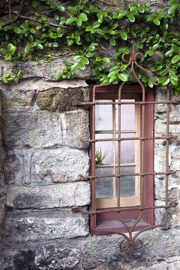 Rustiek oud venster stock foto's