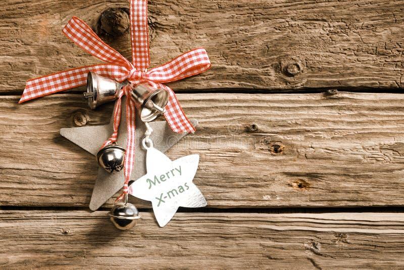 Rustieke decoratieve Kerstmisachtergrond stock foto