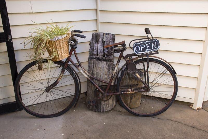 Rustieke fiets royalty-vrije stock afbeelding
