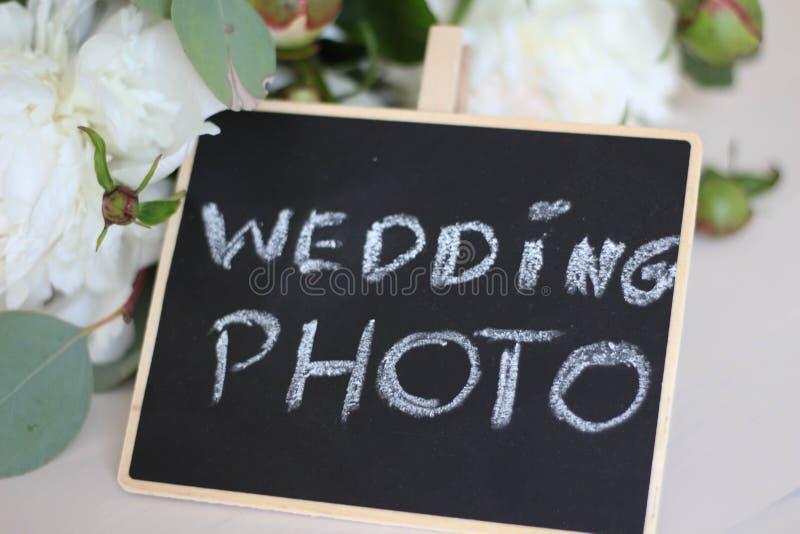 Rustieke stijl De tekst van het de kalligrafiemalplaatje van de huwelijksfoto voor uw concept van de ontwerpillustratie Met de ha stock foto's
