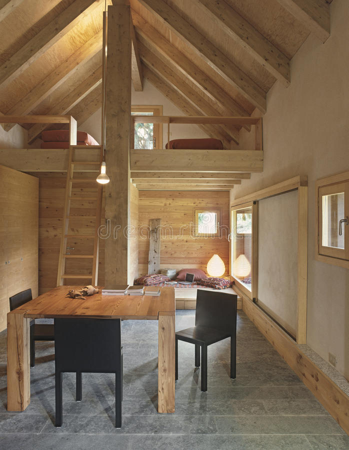 Rustieke woonkamer stock afbeelding. Afbeelding bestaande uit living ...