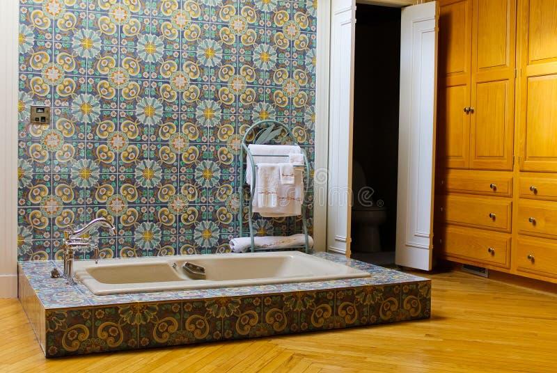 Rustikale badezimmer szene stockfoto bild von paneling 24089058 - Rustikale badezimmer ...