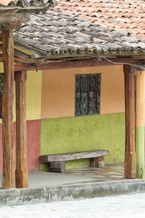 Rustikale Kolonialartarchitektur in Vilcabamba Ecuador stockfotos