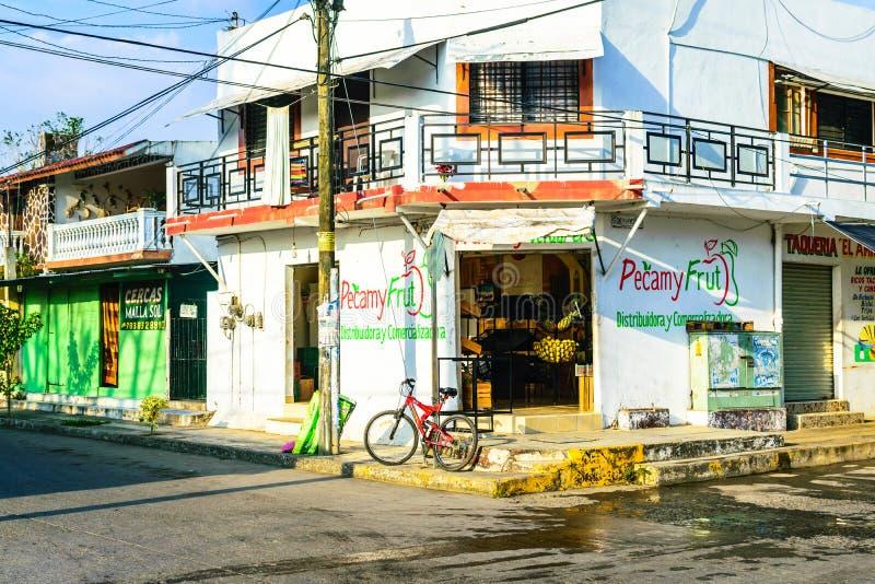 Rustikales mexikanisches Gebäude lizenzfreies stockbild