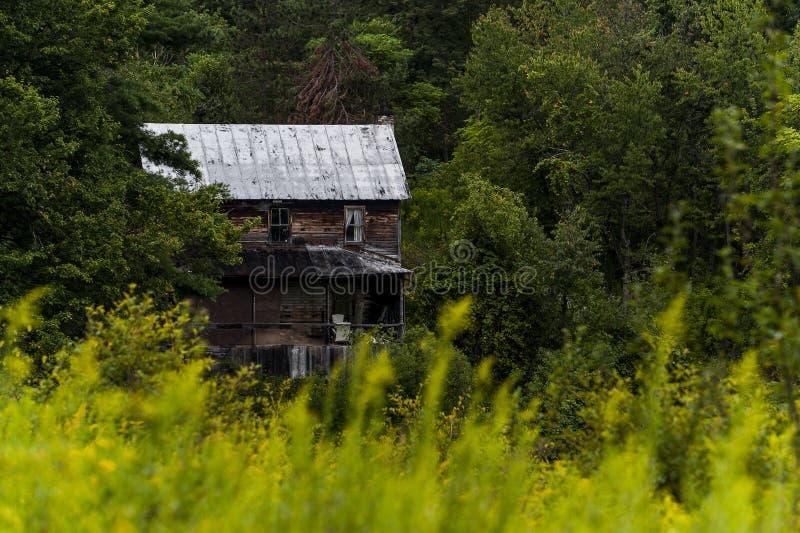 Rustikales, verlassenes haus- Appalachen - Maryland lizenzfreie stockfotos
