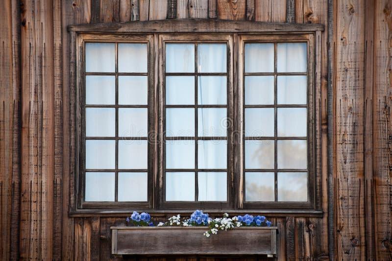 Rustikales Windows stockbilder