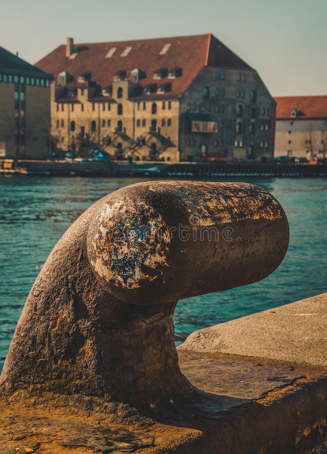 Rusty Bitt na doca de Copenhaga imagem de stock