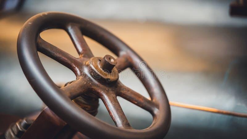 Rusty Car Steering Wheel idoso foto de stock