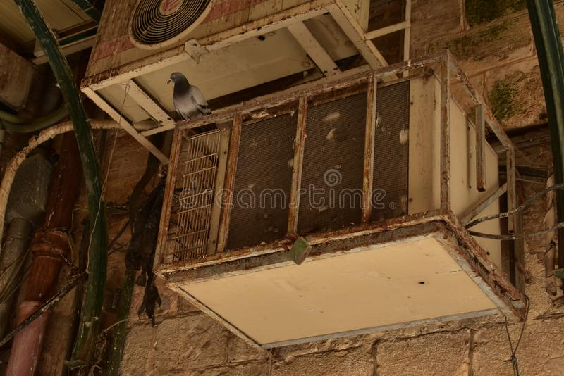 Rusty Dirty Old Air Conditioning Unit Nazareth royalty-vrije stock fotografie
