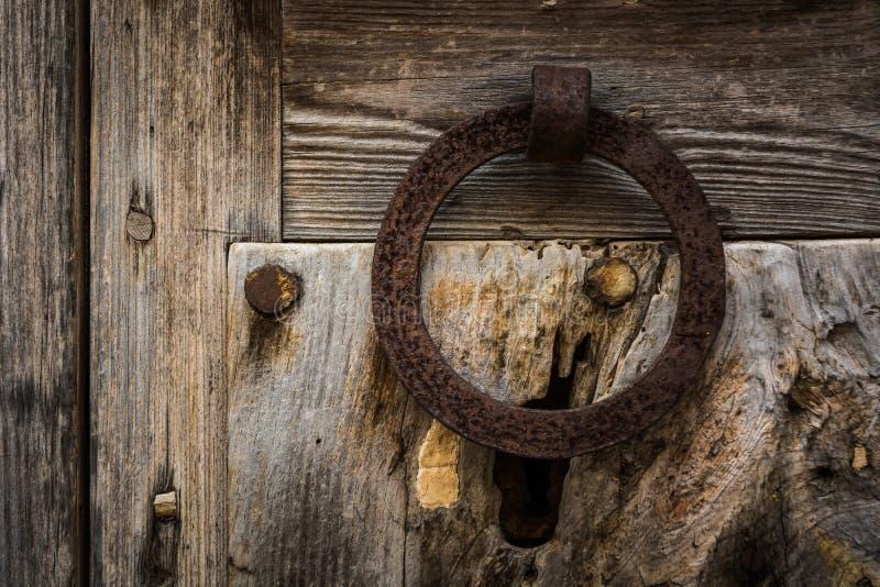 rusty doorknocker zdjęcia stock