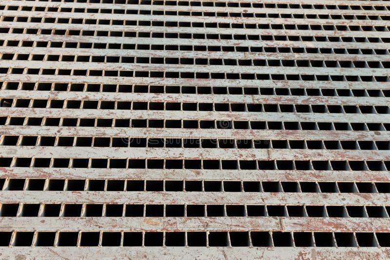Rusty Drain Cap in de stad royalty-vrije stock foto
