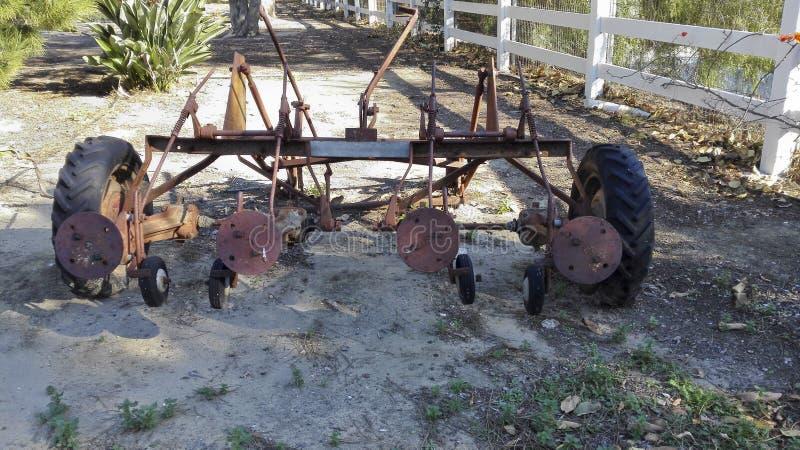 Rusty Farmers Machinery abandonado fotos de stock