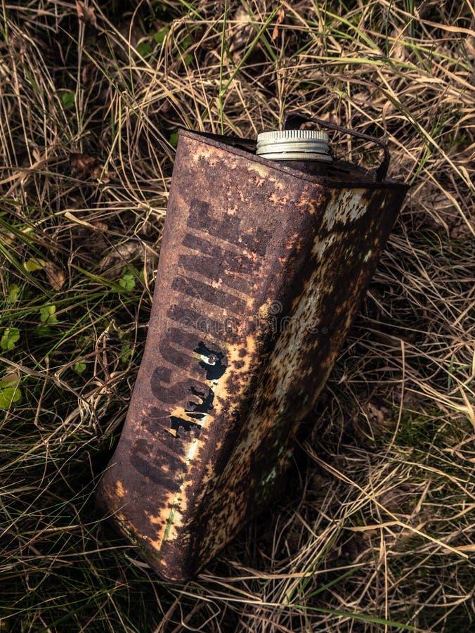 Rusty Gasoline Can anziano fotografie stock