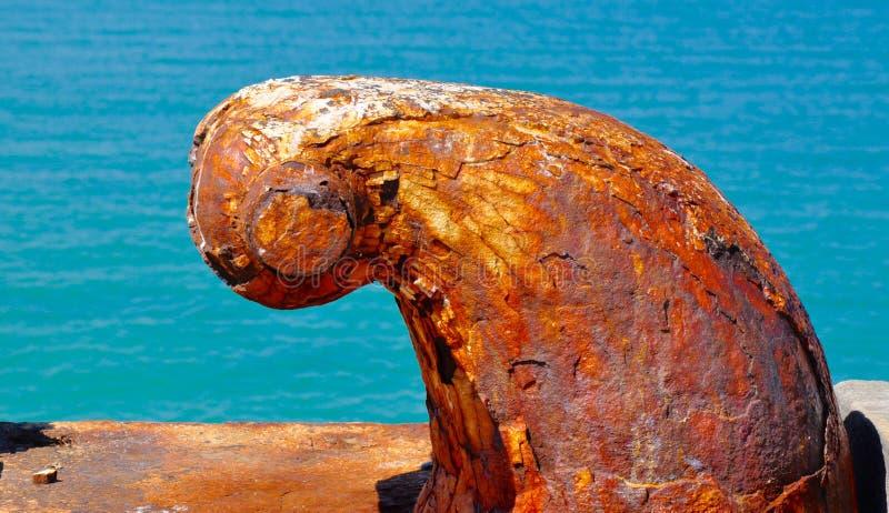 Rusty Mooring: Texturas pelo mar foto de stock royalty free